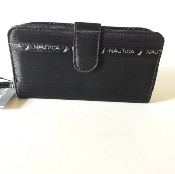 Nautica Handbags - 🎈SALE🎈Nautica clutch wallet